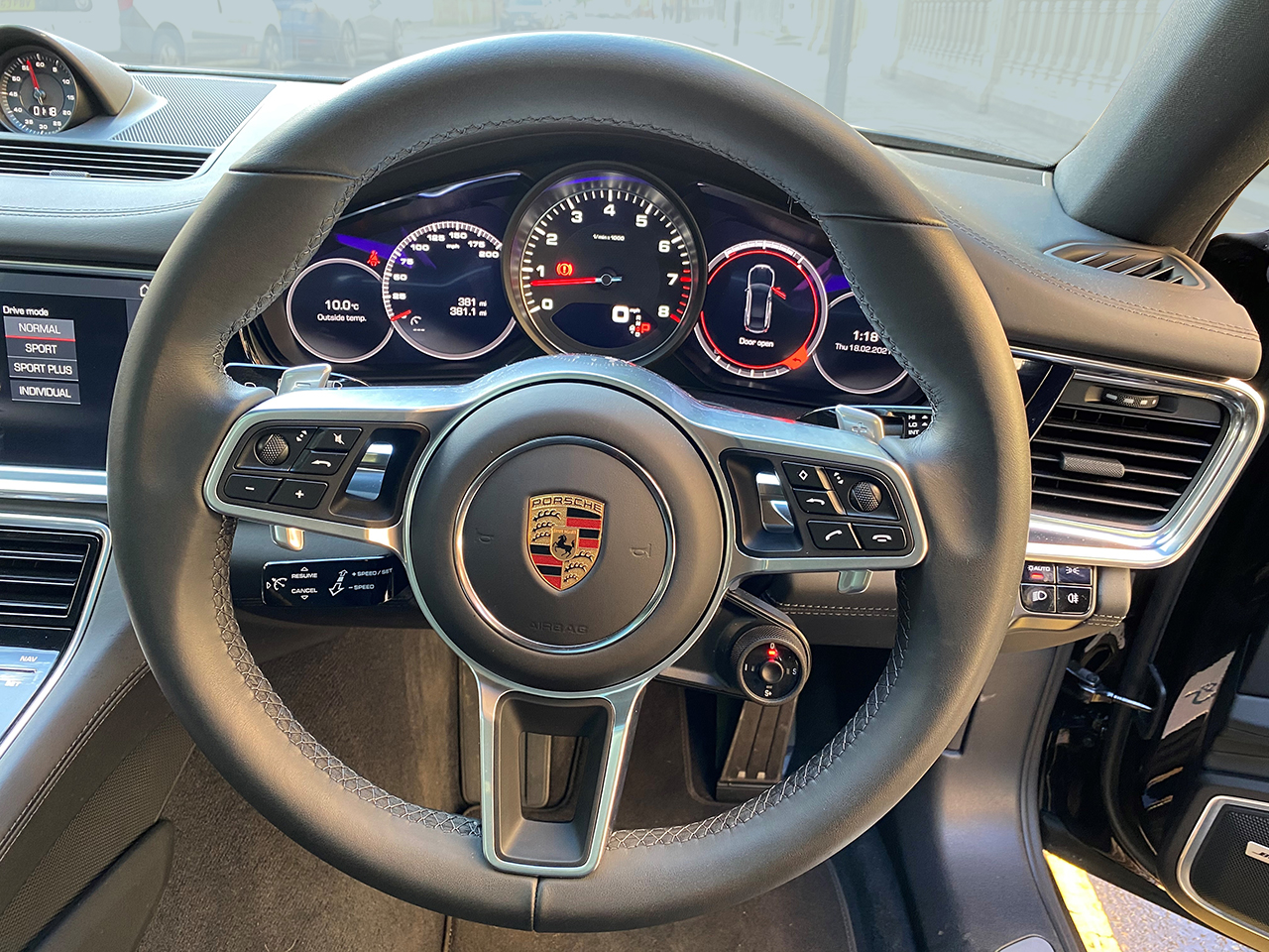 Porsche Panamera 4 Car for hire
